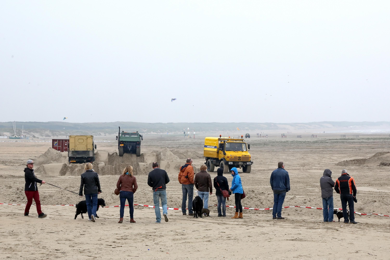 Kennemerstrand, IJmuiden Unimog Strandtreffen NWFoto / Ko van Leeuwen kvl_141011_1458102.jpg / 11-10-2014 14:58:10